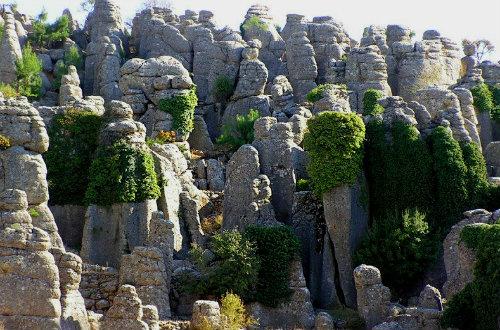 Adam Kayaları (Şeytan Kayaları)