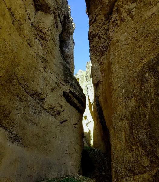 Cehennem Deresi Kanyonunda Dar ve Dik Yerlerden Bir Tanesi
